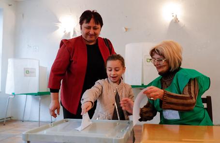 Голосование на президентских выборах в Тбилиси, Грузия.