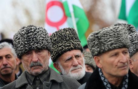 Митинг против соглашения об установлении административной границы Ингушетии с Чечней. Архив.