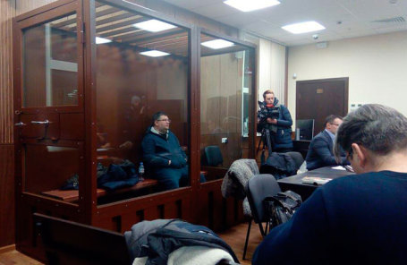 Заместитель начальника Московской областной таможни ФТС  Денис Руденко в Мещанском суде Москвы во время избрания ему меры пресечения.