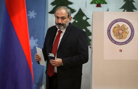 Исполняющий обязанности премьер-министра Армении Никол Пашинян.