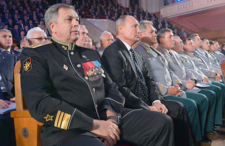 Игорь Костюков (слева) на мероприятии, посвященном 100-летию ГУ Генштаба Вооруженных сил России. Ноябрь, 2018 года.