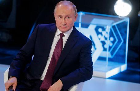 Владимир Путин во время открытого урока «Направления прорыва» в рамках Всероссийского форума профессиональной навигации «Проектория».