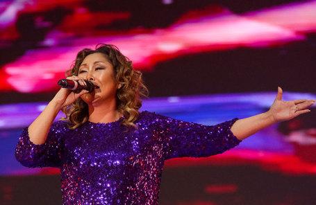 Муха укусила: известная русская эстрадная певица 18 лет носила внутри себя личинку