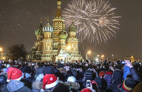 Новогодний салют на Красной площади.