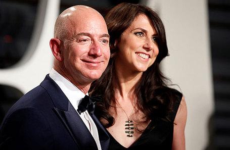 Джефф Безос с супругой.