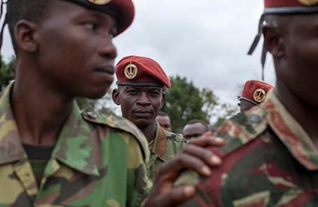 Солдаты вооруженных сил Центральноафриканской Республики.