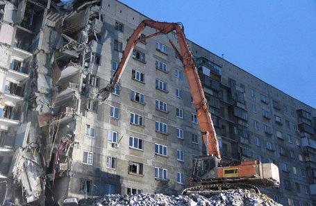 Демонтаж седьмого и восьмого подъездов дома № 164 на улице Карла Маркса, где произошло обрушение. Магнитогорск, 12 января 2019 года.