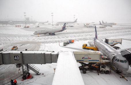Самолеты в аэропорту «Шереметьево».