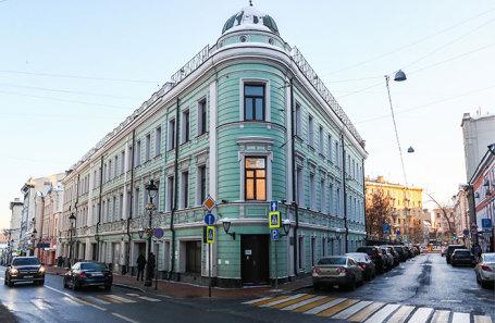 Особняк купца Булошникова XIX века на Большой Никитской улице в Москве.