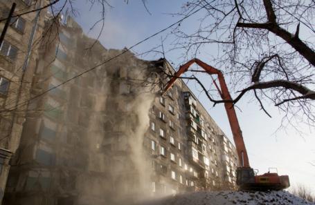 Демонтаж двух подъездов жилого дома в Магнитогорске.