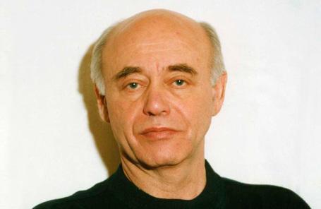 Михаил Ахманов.