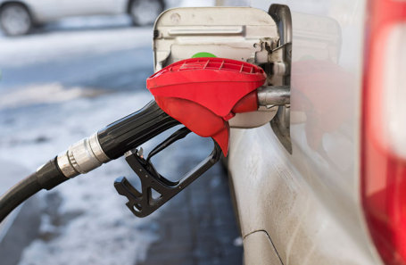 Власти нехотят продлевать заморозку цен набензин