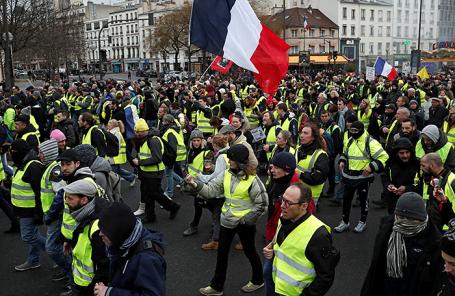 Акция протеста «желтых жилетов» в Париже.