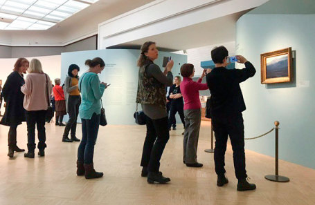 На выставке «Архип Куинджи» в Третьяковской галерее.