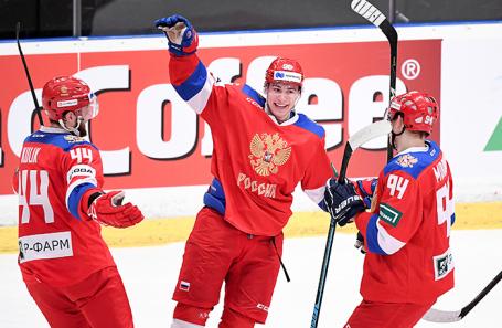 Участники сборной России во время матча.