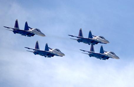 Пилотажная группа «Русские витязи».