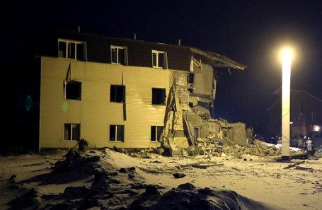 Вид на трехэтажный одноподъездный жилой дом, где произошел взрыв бытового газа. Красноярск, Россия, 14 февраля 2019 года.