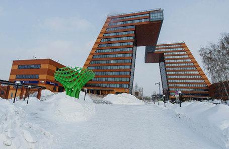 Здание Центра информационных технологий Технопарка новосибирского Академгородка.