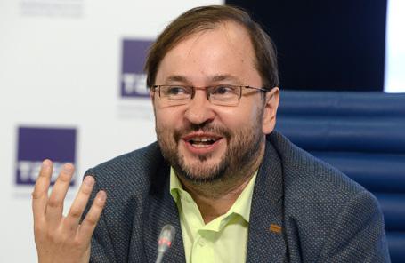 Михаил Виноградов.
