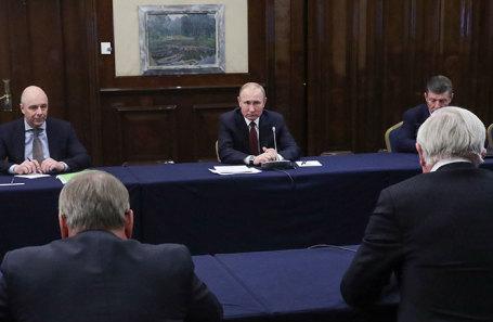 Владимир Путин во время встречи с членами бюро Российского союза промышленников и предпринимателей (РСПП).