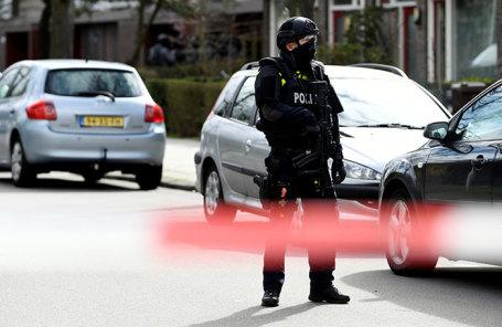 Полиция на месте происшествия в Утрехте, Нидерланды.