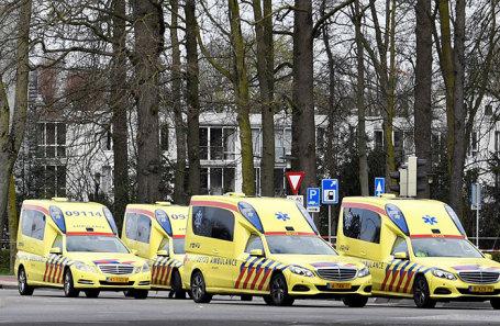 Машины скорой помощи на месте происшествия в Утрехте, Нидерланды.