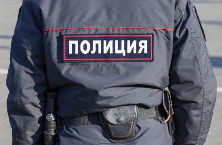 https://cdn.bfm.ru/news/maindocumentphoto/2019/03/23/policiya.jpg