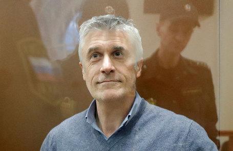Майкл Калви.