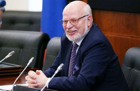 Председатель Совета при президенте РФ по развитию гражданского общества и правам человека Михаил Федотов.