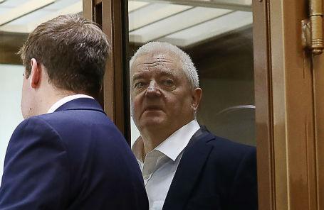 Гражданин Норвегии Фруде Берг (справа), обвиняемый в шпионаже, во время оглашения приговора в Мосгорсуде.