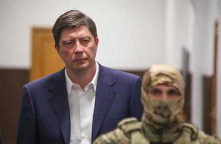 Избрание в Басманном суде меры пресечения в отношении мажоритарного акционера банка «Югра» Алексея Хотина, подозреваемого в растрате.