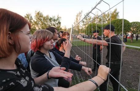 Участники акции против строительства собора святой Екатерины в Екатеринбурге.