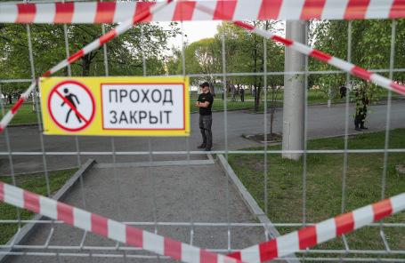 Забор вокруг предполагаемого места строительства собора святой Екатерины в центре Екатеринбурга.