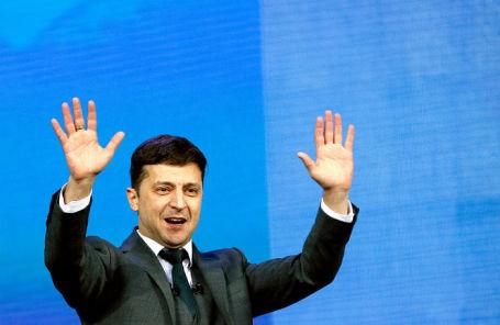 Зеленский начнет правление снарушения Конституции— неверный  президент