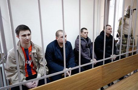 Украинские моряки, обвиняемые в нарушении государственной границы РФ в районе Керченского пролива.