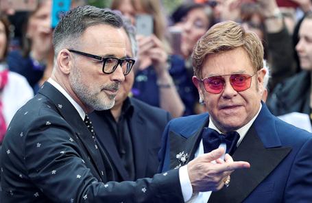 Элтон Джон и его муж Дэвид Ферниш на британской премьере «Рокетмен». Фото