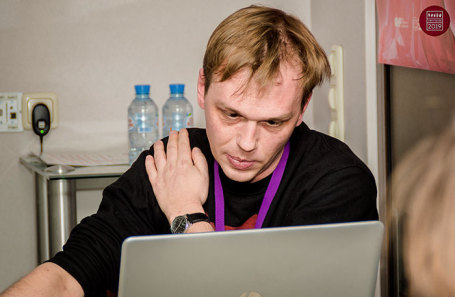 https://cdn.bfm.ru/news/maindocumentphoto/2019/06/08/golunov.jpg