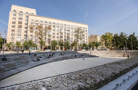 Хохловская площадь.