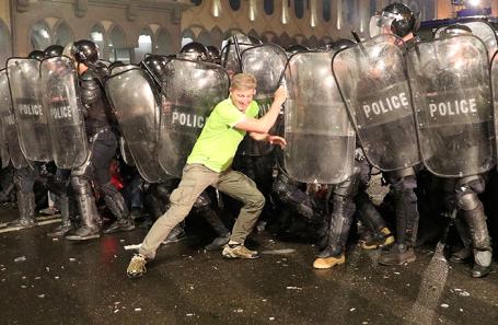 Беспорядки в Тбилиси, Грузия.