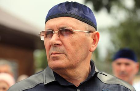 Правозащитник Оюб Титиев после выхода из колонии-поселения № 3 в связи с постановлением об УДО.