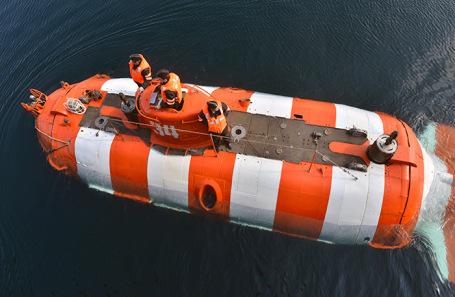 Один из глубоководных аппаратов во время учений по поиску и спасению аварийной подводной лодки на Северном флоте. Архив.