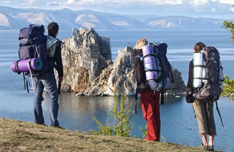 Туристы на Байкале.