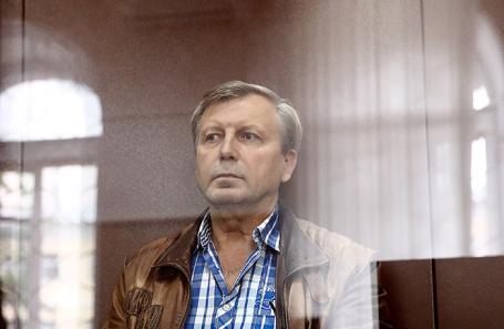 Бывший заместитель руководителя Пенсионного фонда России Алексей Иванов, подозреваемый в получении взятки, во время рассмотрения ходатайства следствия о его аресте в Басманном суде.