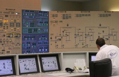 Блочный щит управления реактором на Калининской АЭС.