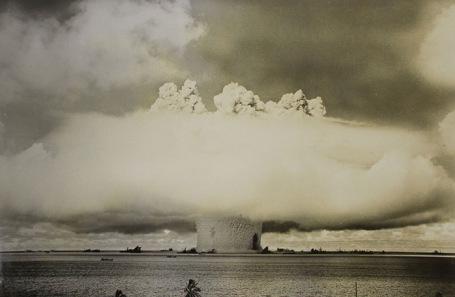 Подводный ядерный взрыв. Архивное фото.