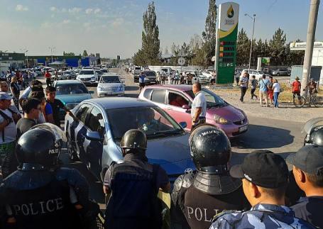 Экс-президент Киргизии А. Атамбаев задержан.