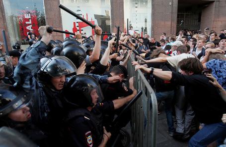 Беспорядки в центре Москвы 27 июля.
