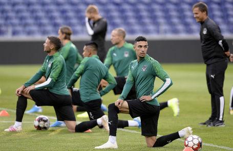 Игроки ФК «Краснодар» во время тренировки на стадионе «Драган».