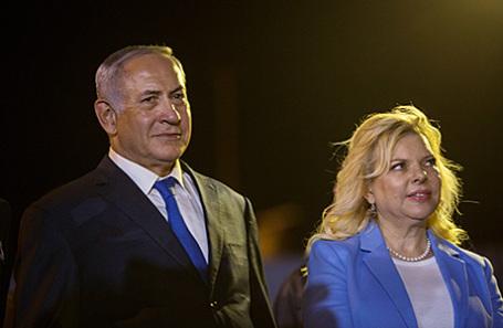 Биньямин Нетаньяху с супругой.