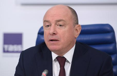 Михаил Абрамов.